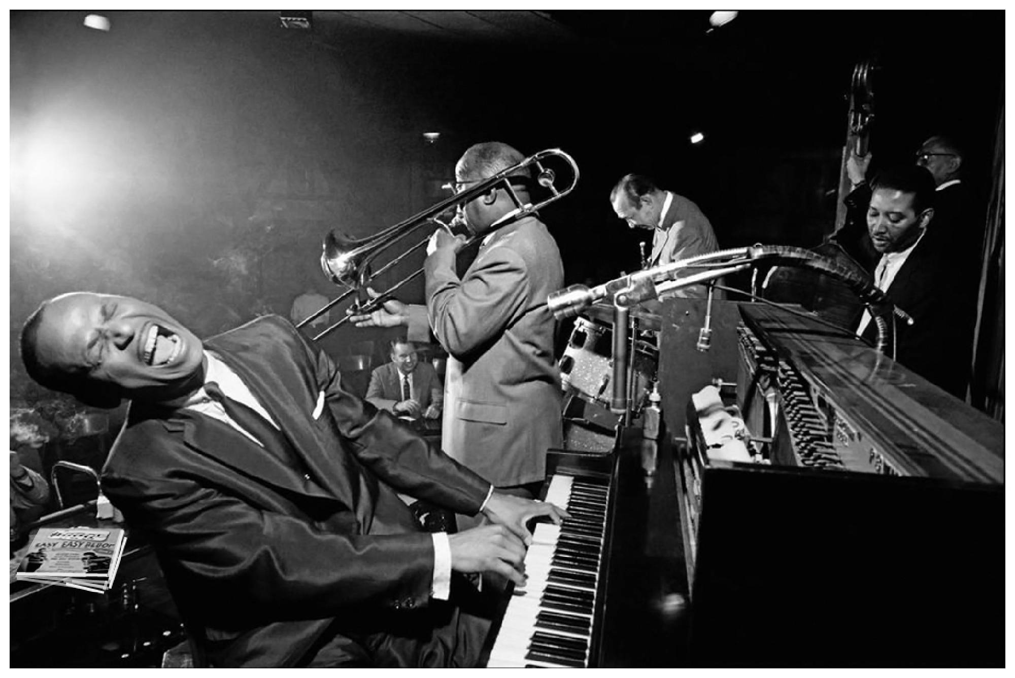 a comparison of chicago jazz and new york jazz since the 1920s Long heralded as chicago's leading jazz venue, the venerable club is the oldest jazz spot in the city and has been forced to relocate more than once since its inception in 1947.